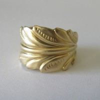 Leaf ring. Feather ring. Brass.