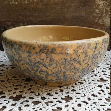 Pottery Bowl, Spongeware, Blue and Oatmeal or Tan, R.R.P. & Co., Stoneware, Mixing, Country, Primitive, Serving, Earthenware, Decorative