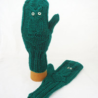 Owl Mittens, Cosy Owl Mittens, Hand Knit Women Owl Mittens, Owl Mittens in Emerald Green, Winter Owl Mittens