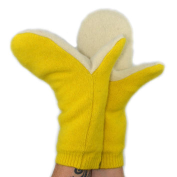 Mittens in Sunshine Yellow - Bright Lemon - Recycled Wool - Fleece Lined
