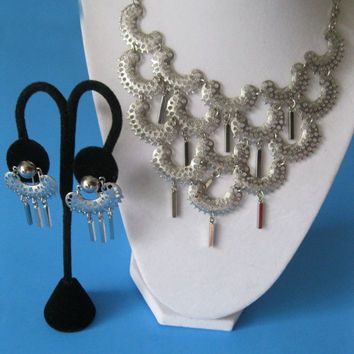Sarah Coventry Charisma Bib Necklace Earrings Set Silver Vintage