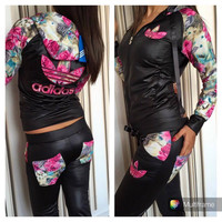 Adidas: the fashion leisure suit spell holster with roses