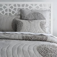 Ruffled-Circle Quilt + Shams - Platinum