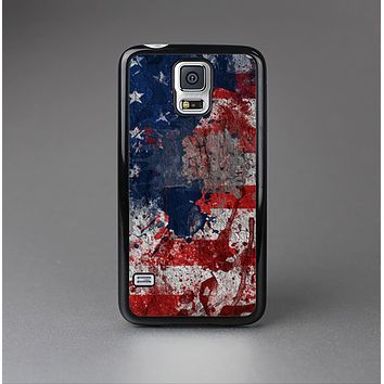The Grungy American Flag Skin-Sert Case for the Samsung Galaxy S5