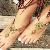 Barefoot sandals foot jewelry, barefoot sandal with natural stones with antique gold charm, sandals, festival jewelry, yoga beach sandals