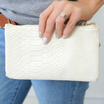 Sultry Sass Clutch - Eggshell