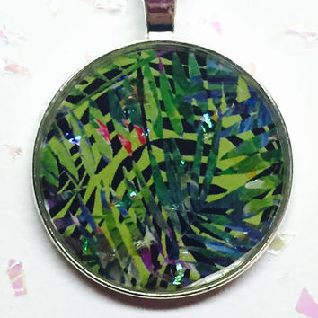 Tropical Botanical Necklace, Tropical Fern, Green Foliage, Jungle Necklace, Nature Jewelry, Glittery Jewelry, Circle Pendant, Resin Jewelry
