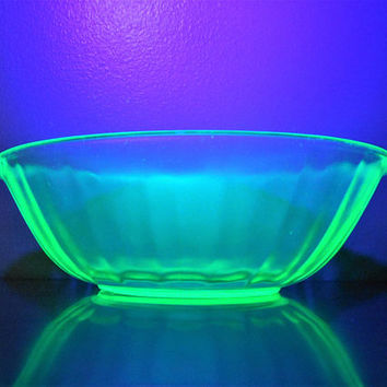 Vintage Scalloped Handled Vaseline Glass Bowl, Ribbed Uranium Glass Bowl, Blacklight Reflective Serving Bowl, Depression Glass Fruit Bowl