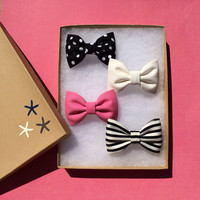 Black and white dot, striped, bright pink and winter white Seaside Sparrow hair bow lot. Perfect colors for spring.