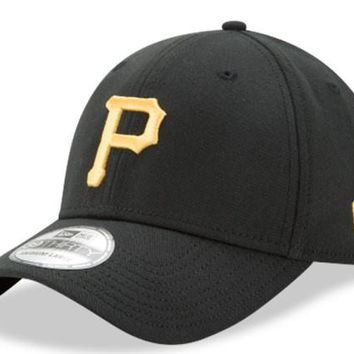 Pittsburgh Pirates New Era 39Thirty Black Team Classic Flex Hat