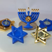 Hanukkah thumbtacks - Chanukah decor, teacher gift. For college dorm, office, kitchen, classroom. dreidel, menorah, Star of David, Hebrew