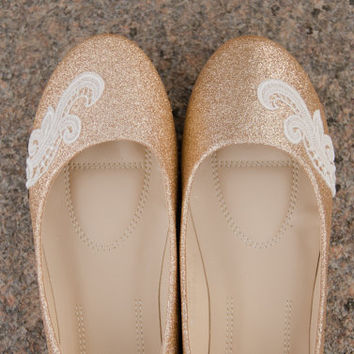Gold Wedding Flats, Rose Gold Flats, Wedding Shoes, Gold Ballet Flats, Bridal Shoes, Gold Bridal Flats, Shoes with Ivory Lace. US Size 9