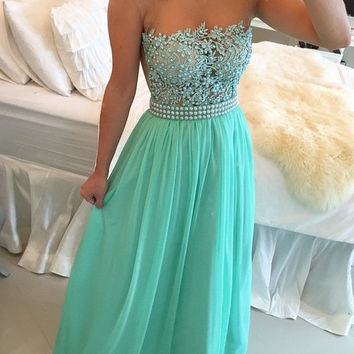New Arrival O-Neck Cap Sleeve Beaded Long Prom Dresses Green Chiffon Formal Prom Gowns