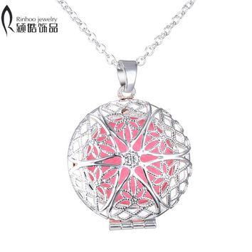 aromatherapy lockets Pendant Necklace Free felt Pads Round white K Hollow out star shaped Essential Oils diffuser necklace