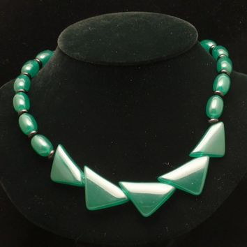 Green Necklace Vintage Striking