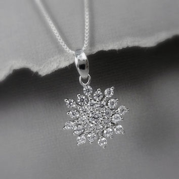 Sterling Silver Snowflake Necklace, Snowflake Necklace, Christmas Gift, Christmas Necklace, Winter Wedding Necklace, Gift for Her