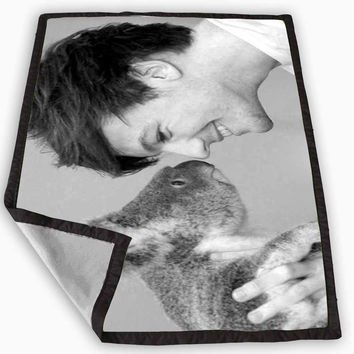 Louis William Tomlinson One Direction Blanket for Kids Blanket, Fleece Blanket Cute and Awesome Blanket for your bedding, Blanket fleece *