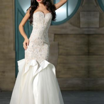 Vintage White Evening Dresses Tulle Mermaid Long Sweetheart Crystal Beading Floor Length Sexy Party Gowns