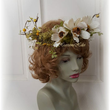 Fairy crown head wreath renaissance woodland elf berries cosmos green white