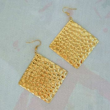 Large Hammered Goldtone Dangle Earrings Diamond Shaped Vintage Jewelry
