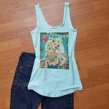 Last - minute - gift - gift - for - her - pickup - roses -pinup - girl -  PINUP - ROCKABILLY - RETRO - Vintage - style - tank - top