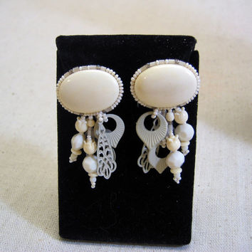Fabulous Vintage Chipita Hand Made Cream and Gray Dangle Clip On Earrings