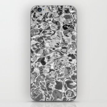 B&W Feel the Summer iPhone & iPod Skin by ARTPICS