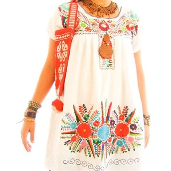 Peace White vtg Ethnic embroidered floral summer Mexican dress 1960 1970 ethnic style