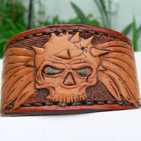 Wrist jewelry leather cuff