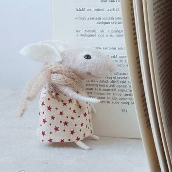 Needle felted bunny, felt ornament, needle rabbit, soft sculpture, figurine, animal forest, christmas dress, tender mouse