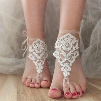 FREE SHIP Beach wedding barefoot sandals, ivory silver frame Barefoot , french lace sandals, wedding anklet, B002