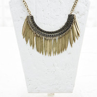 Raining Petals Necklace in Gold - Urban Outfitters