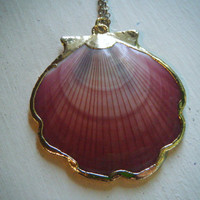 Vintage Gold Rimmed Shell Pendant Necklace