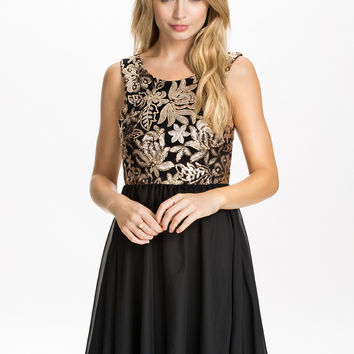 Black Floral Sequined Pleated Chiffon Skater Dress
