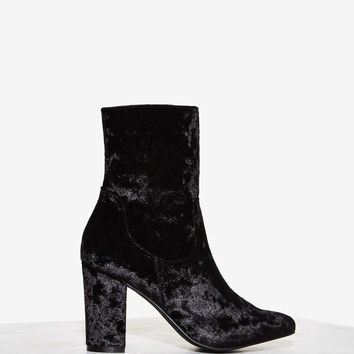 Nasty Gal Tibby Velvet Boot - Black