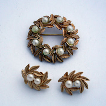 Vintage Avon Wreath Brooch and Earring Set, Gold Tone & Faux Pearl
