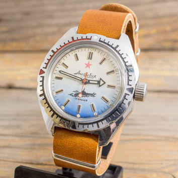 Vintage Boctok Wostok Amphibia watch, vintage russian watch, blue and white dial, stainless steel case