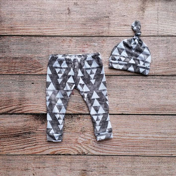 Baby/Toddler/Boy knot beanie with matching leggings. Made from soft, stretchy, knit. Charcoal/Triangle print