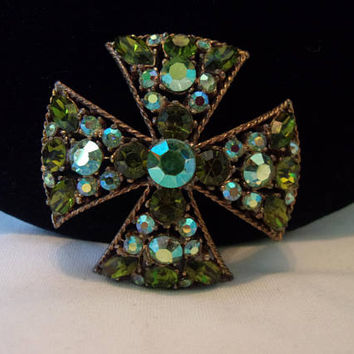 Regency Vintage Estate Green Maltese Cross Brooch Glass Rhinestone Gold Plate Pin