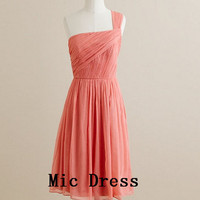 New Arrival One-shoulder Sleeveless Knee-length Pleated Chiffon Beach Short Evening/Party/Homecoming/cocktail dress/Bridesmaid/Formal Dress