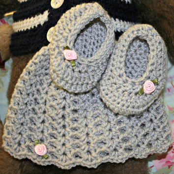 Crochet baby beanie hat baby slippers silver crochetyknitsnbits quality hand made baby girl clothes layette baby shower gift 0 to 6 mths