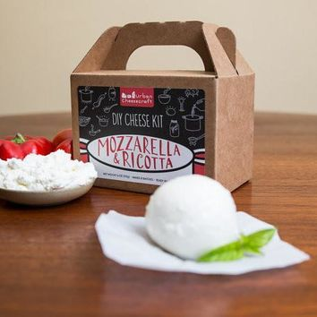 Mozzarella & Ricotta DIY Cheese Kit