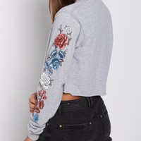 Gray Rosy Long Sleeve Crop Top | Crop Tops | rue21