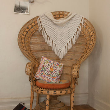 1970s Triangular White Crochet Fringe Wall Hanging or Shawl | Handmade Bohemian Window Covering | Boho Chic Hippie Retro Decor Afghan Throw