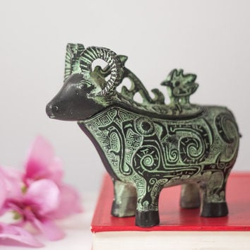 Mountain Goat / Ibex Figurine / Container, Vintage Brass Ibex Sculpture / Trinket Box, Animal Collectibles, Metal Goat Container