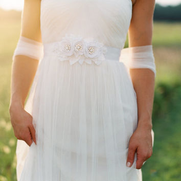 Flower Lace Dress Sash. Bridal Gown Flower Sash.
