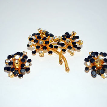 Black and White Rhinestone Starburst 3D Style Wire Prong Pin Brooch and Clip Earring Set Vintage Estate Jewelry Great Gift