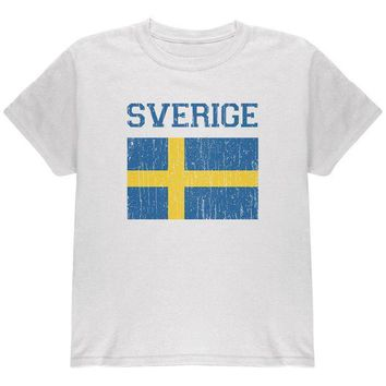 VONE05Y World Cup Distressed Flag Sweden Sverige Youth T Shirt