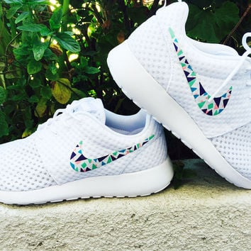 Womens Custom Nike Roshe Run sneakers, triangles, purple, pink, teal, blue trendy design, all white nike roshe.