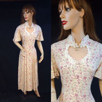 Vintage dress 90s Floral dress Cut out heart neckline Peek a boo 1990s floral grunge